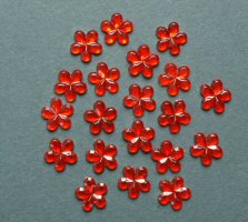 ME766, Red 10mm, Flower Sparkle Gems, Pack of 20